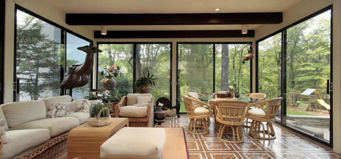 Rectangular Sun Room With One Skylight