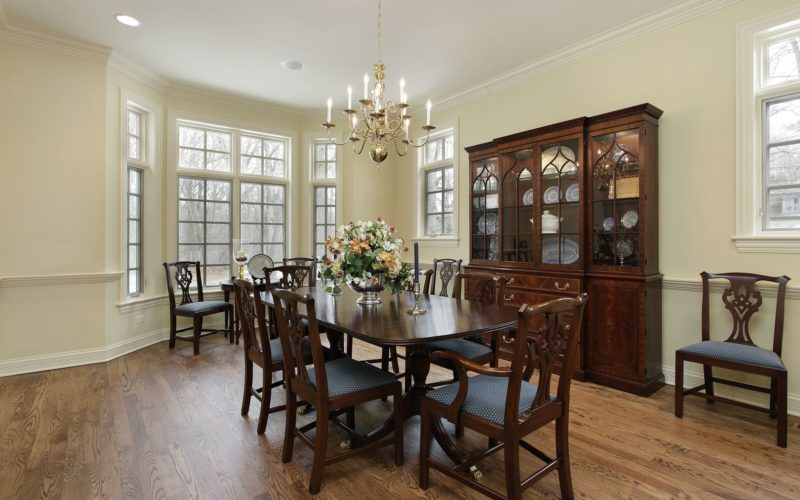 Staging a Formal Dining Room Area