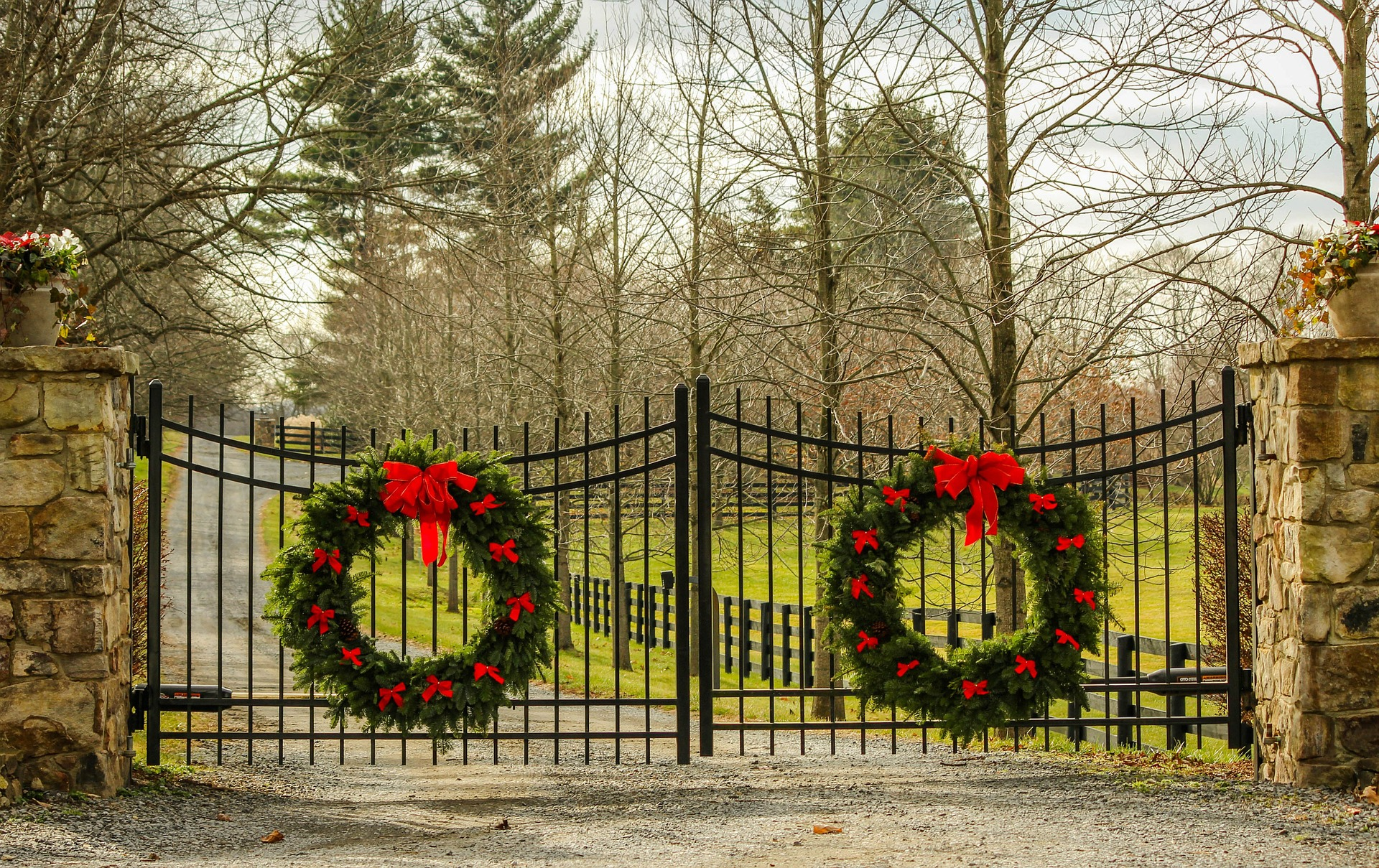 gate christmas wreath