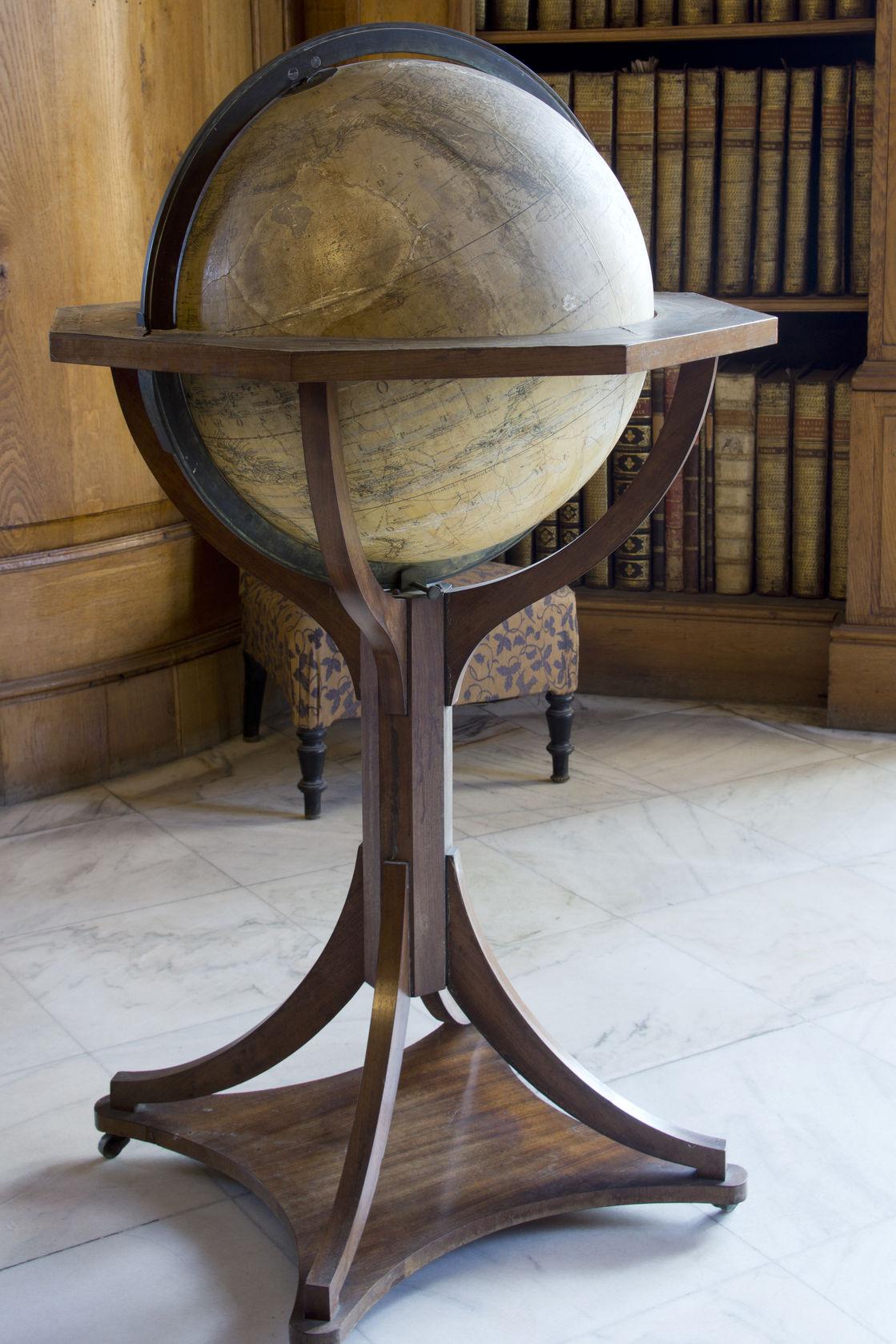 floor world globe
