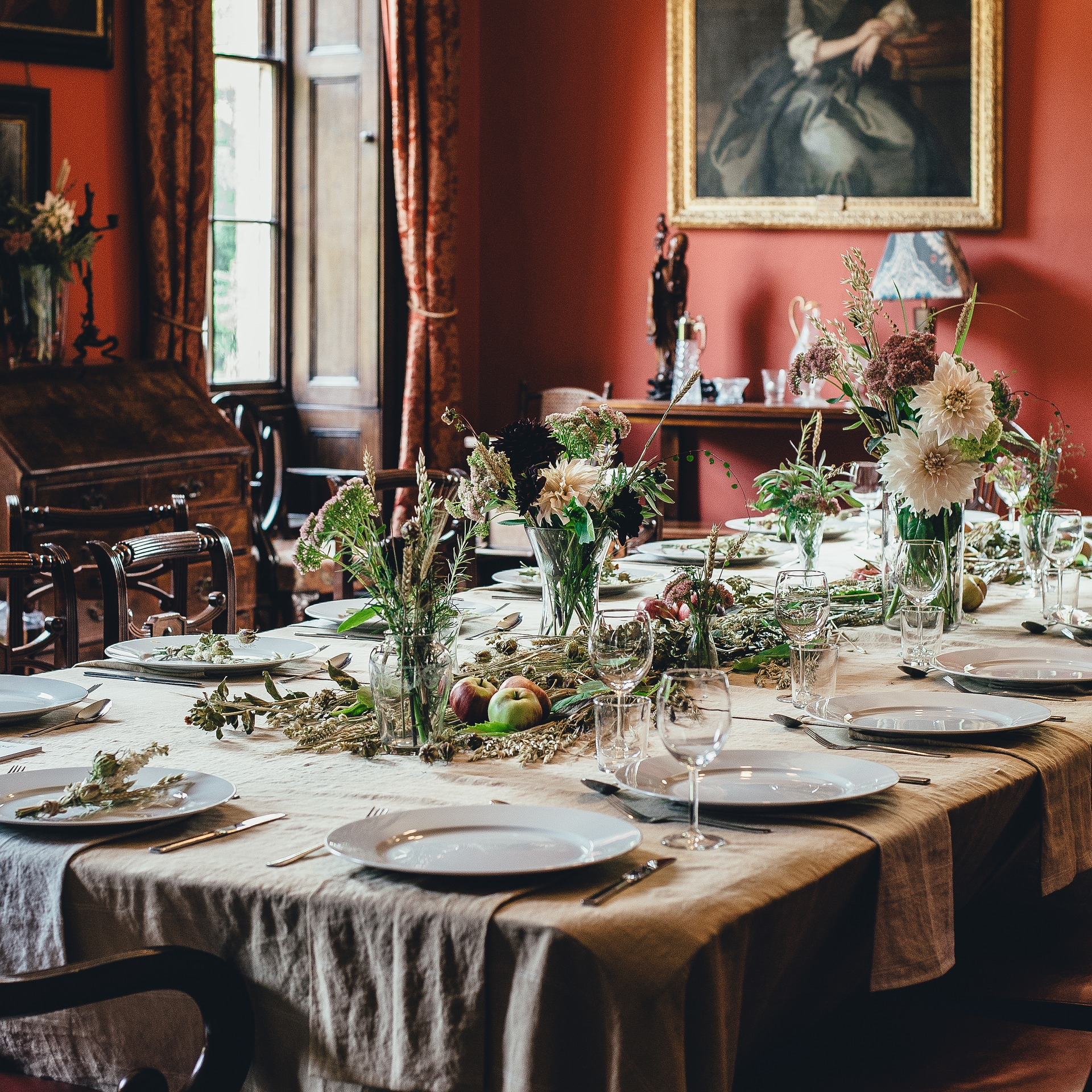 decorative dining table setting