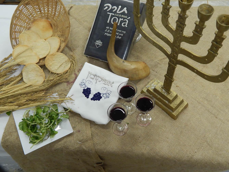 celebrating jewish passover