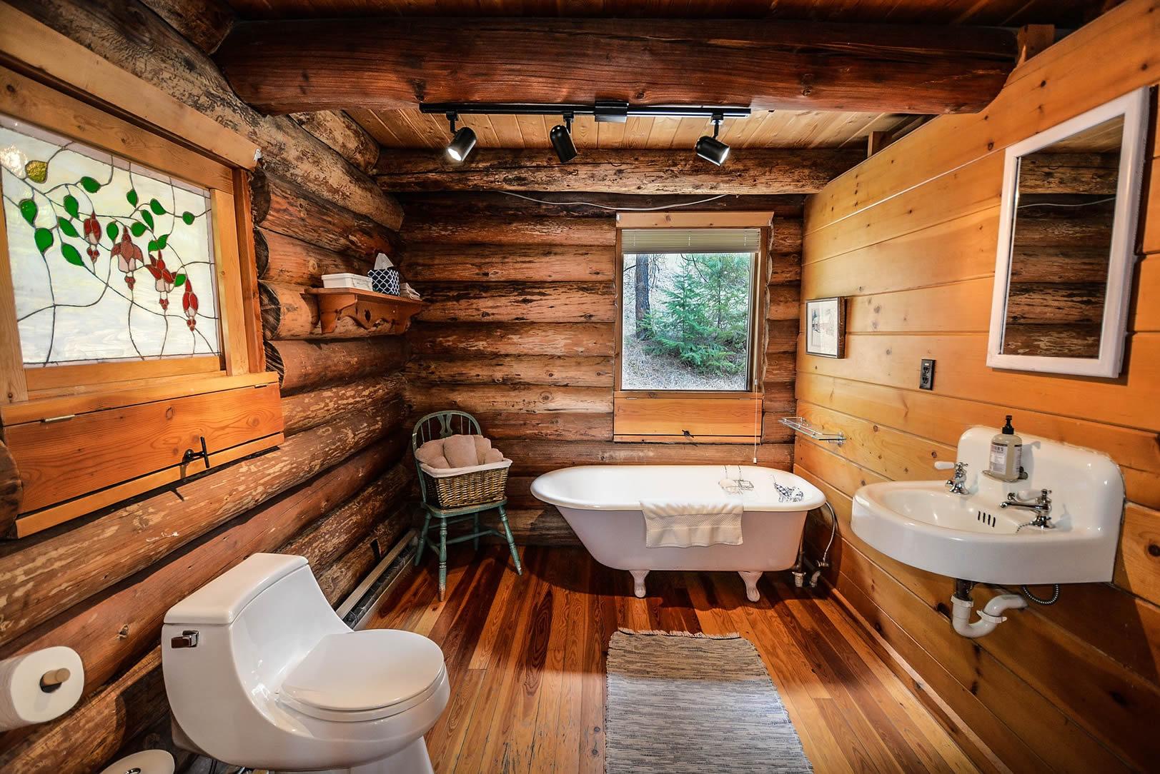 cabin clawfoot tub