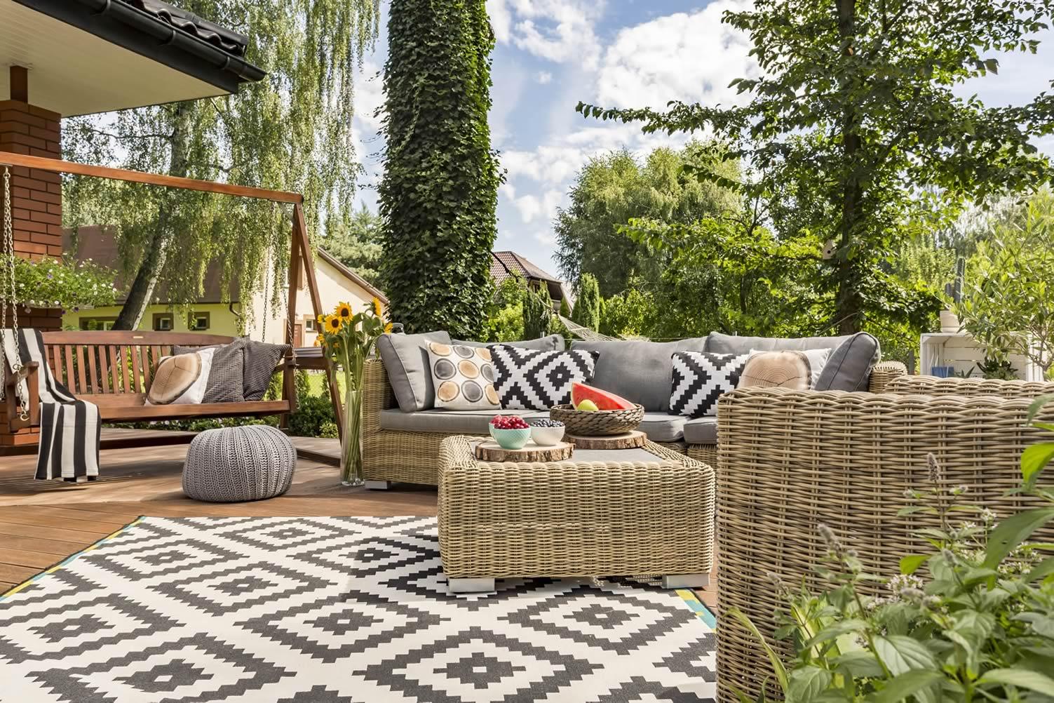 garden sofa conversation