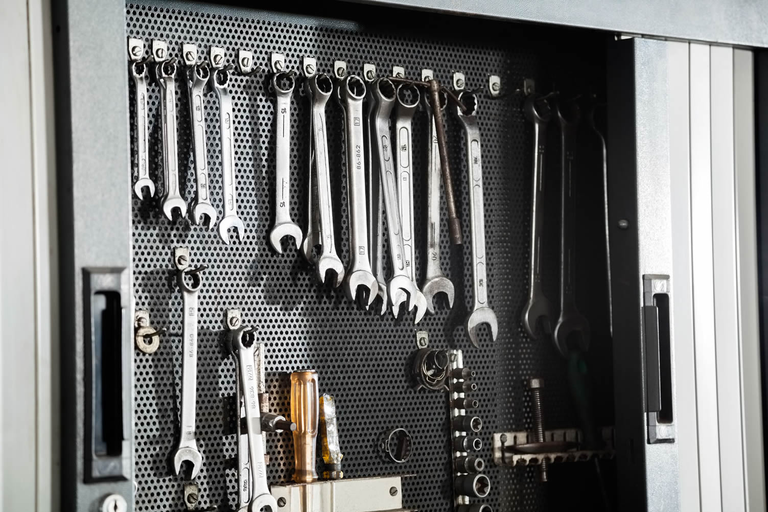 garage tool cabinet