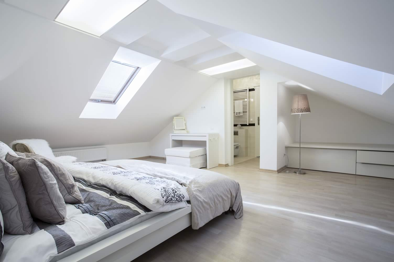 attic guest bedroom