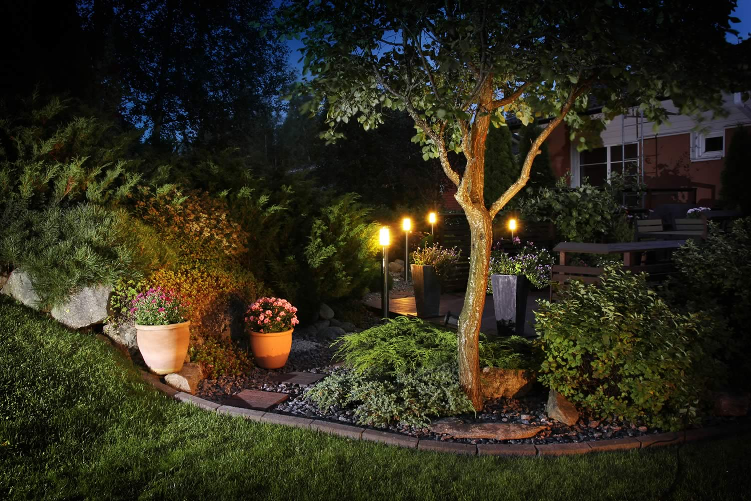 landscape spot lighting