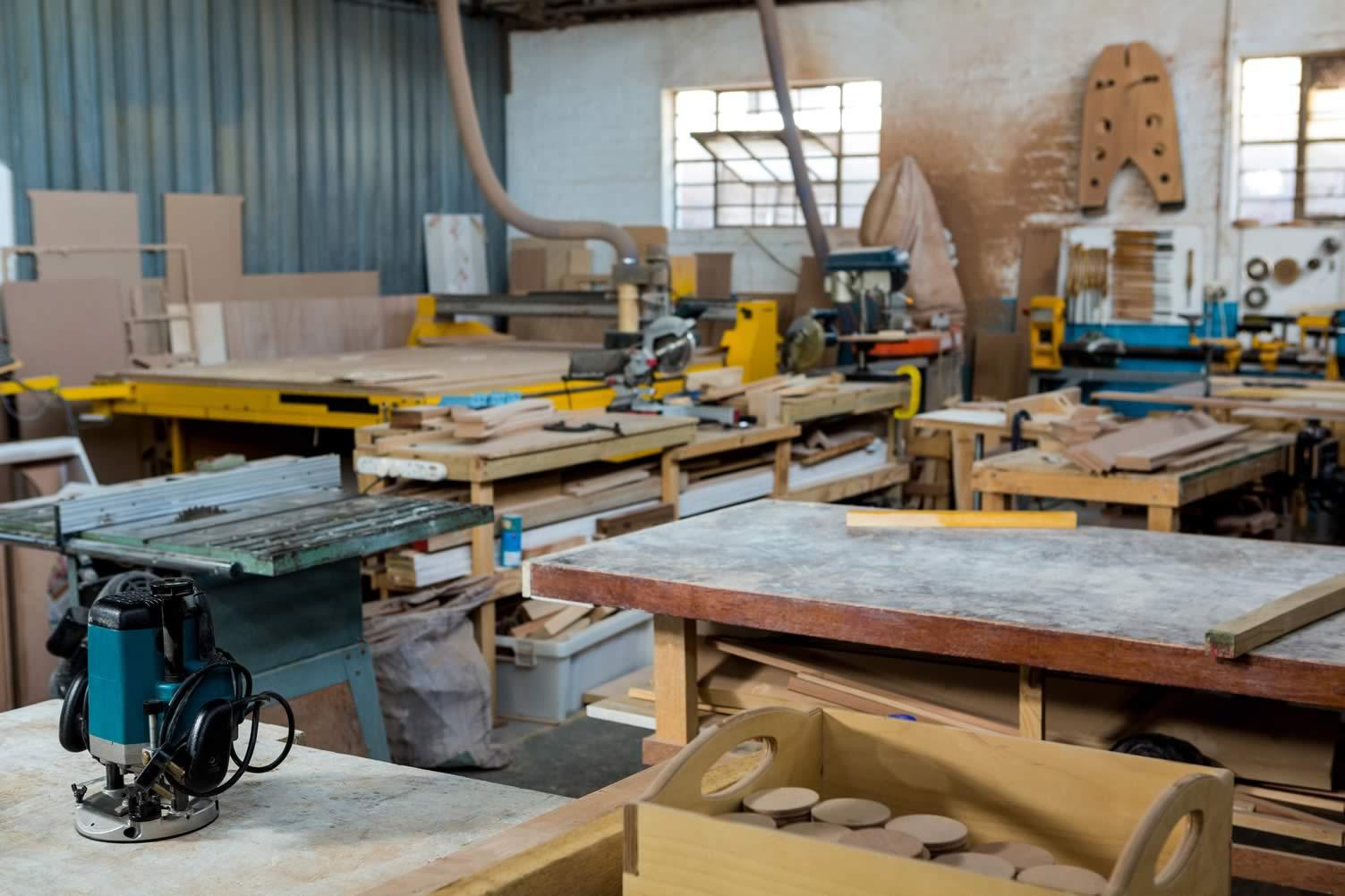 find a carpenter